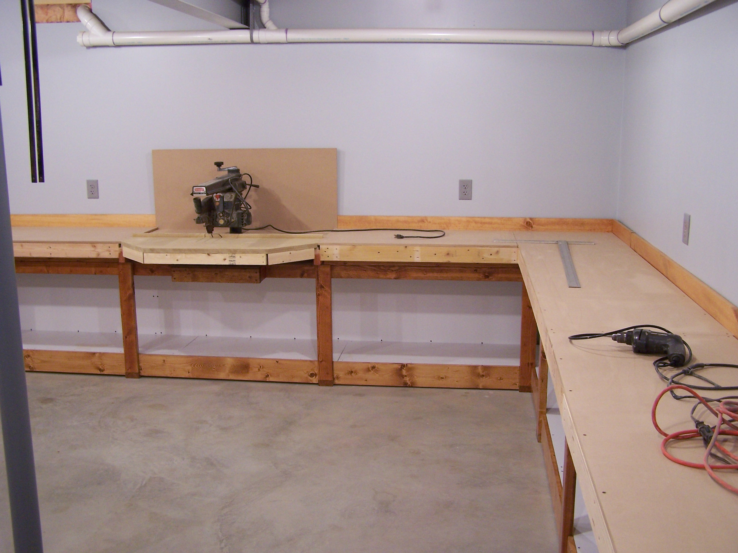 Radial Arm Saw Bench Plans http://www.lkorailroad.com/workbench-progress-update/