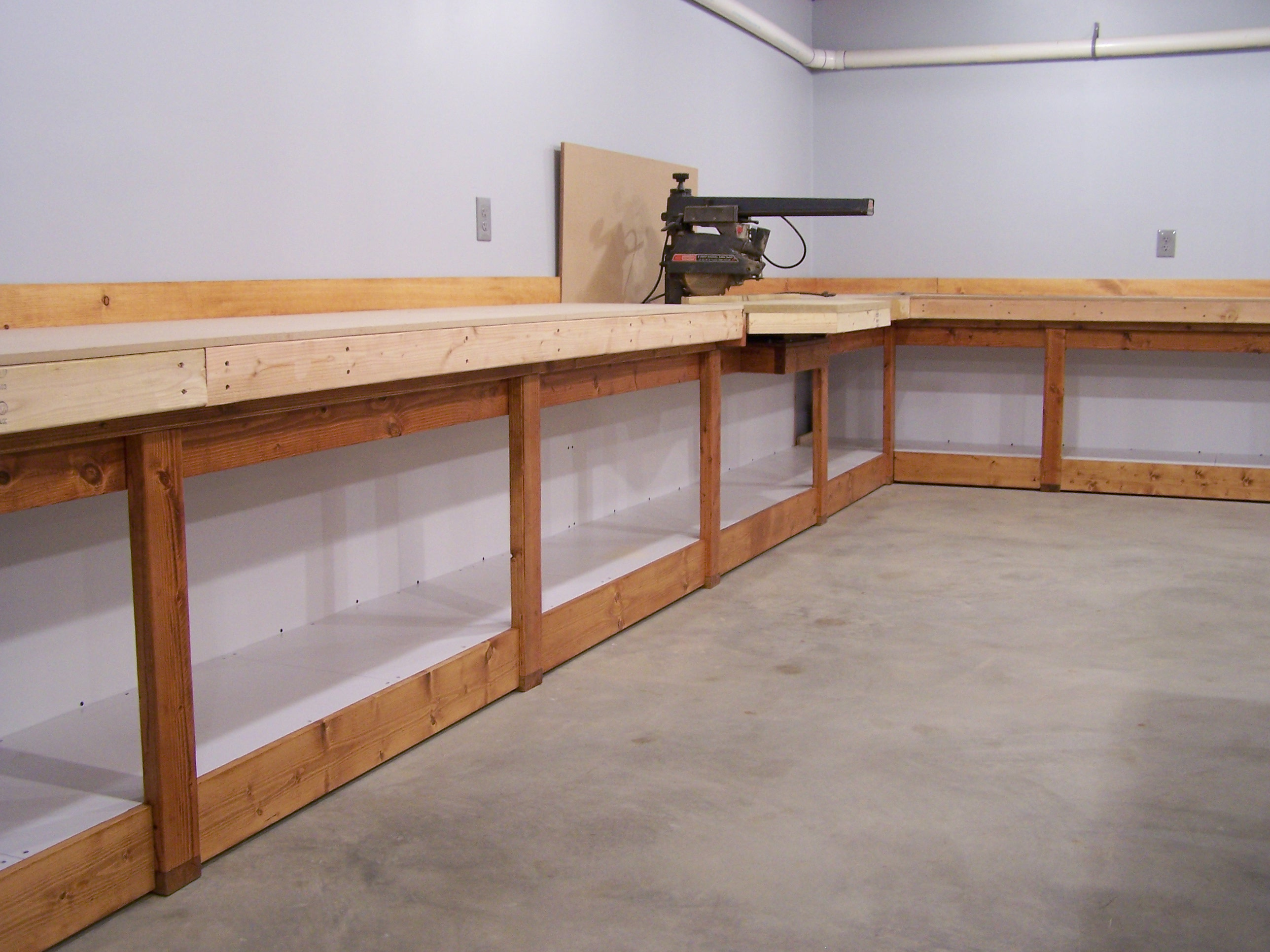 wood workbench plans wall mounted pdf plans. Black Bedroom Furniture Sets. Home Design Ideas